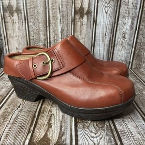 Sanita leather clogs - mules - oversized buckle - mauve - size 8.5